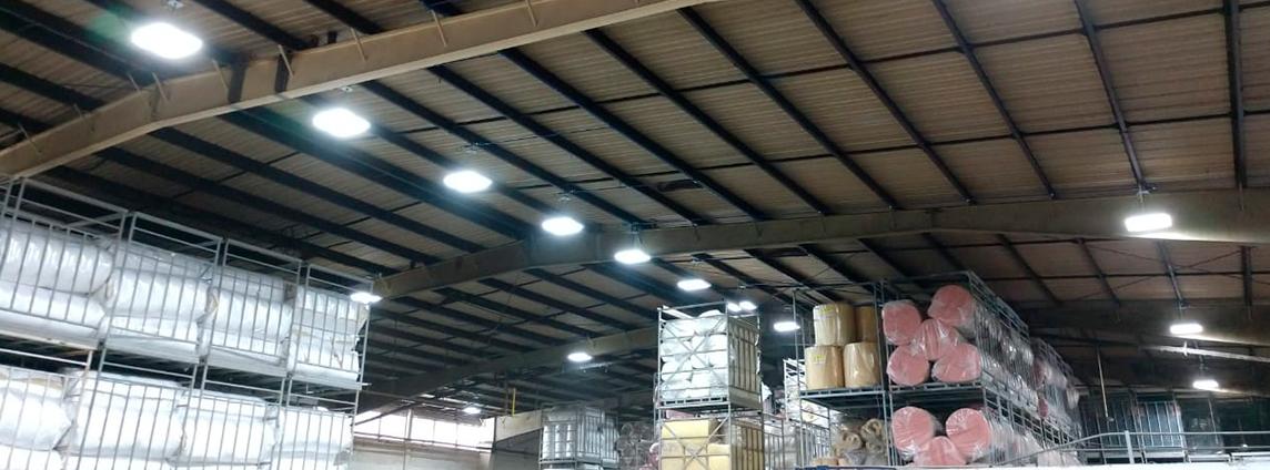 Nuevas luminarias industriales en planta